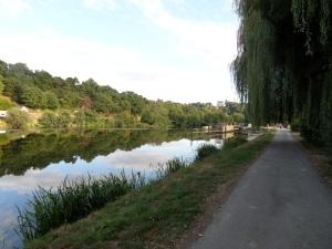 piste cyclable bord de Mayenne